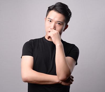 毕业于云南艺术学院,生动活泼的上课风格深受学生喜爱。